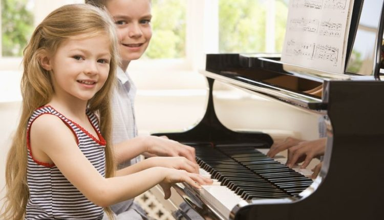 Best Piano For Kids: Updated Review
